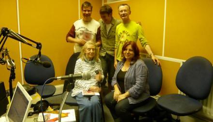 Alex Fitch, Ariel Kahn, Paul Gravett, Eileen Cassavetti and Francesca Cassavetti in the studio at Resonance FM, photo by Nick Tesco